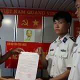 Kết nạp đảng viên trên tàu cảnh sát biển 4033