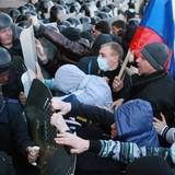 """Khủng hoảng Ukraine: Donetsk """"tuyên bố độc lập"""", kịch bản Crimea lập lại?"""