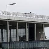 Quân đội Ukraine dùng máy bay cường kích ném bom sân bay Donetsk
