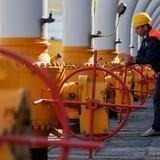 Tổng thống Nga bất ngờ chấp thuận cho Gazprom bán rẻ khí đốt cho Ukraine