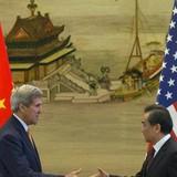 Ông Kerry phản đối mạnh mẽ việc Trung Quốc xây đảo ở Biển Đông