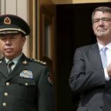 Biển Đông: Ông Carter yêu cầu Trung Quốc chấm dứt xây đảo nhân tạo