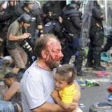 Đụng độ bùng phát giữa di dân và cảnh sát Hungary