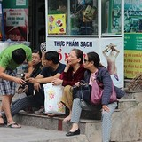 Sau vụ cháy lớn CT4A Xa La: Cuộc sống của người dân lao đao