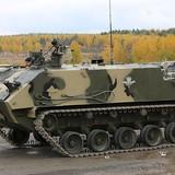 """Xe vận tải bọc thép - """"vỏ ốc"""" của lính đổ bộ Nga"""