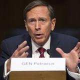 Cựu giám đốc CIA tiết lộ tin mật cho người tình, suýt bị giáng cấp