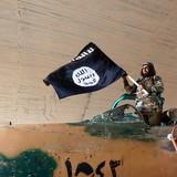 Vì sao người châu Âu nghĩ rằng Mỹ là lực lượng chính chống IS ở Syria?