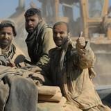 Hơn 1.000 chiến binh đầu hàng, giao nộp vũ khí cho quân đội Syria
