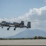 """Biển Đông: Mỹ điều 6 máy bay quân sự """"lượn"""" gần đảo Trung Quốc chiếm giữ"""