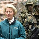 Nữ Bộ trưởng Bộ Quốc phòng Đức kêu gọi Nga công khai số lượng binh lính