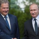 """Ông Putin cảnh báo Phần Lan về """"hậu quả"""" sau 1 đêm nếu gia nhập NATO"""