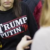 """Nga """"chơi"""" bà Clinton để ủng hộ ông Trump?"""