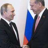 """Ông Putin đón tiếp """"nồng hậu"""" ông Erdogan sau những biến cố căng thẳng"""