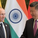 """Đến Trung Quốc, ông Putin tặng ông Tập Cận Bình món quà """"lạ"""""""