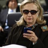 Bà Clinton cáo buộc Nga can thiệp vào bầu cử Mỹ, điện Kremlin đáp trả