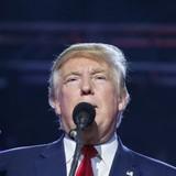 Ông Trump phản công, thách bà Clinton kiểm tra chất kích thích