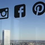Mỹ yêu cầu du khách cung cấp thông tin tài khoản mạng xã hội