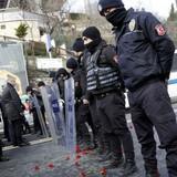 Thổ Nhĩ Kỳ săn lùng tay súng khiến hàng chục người chết