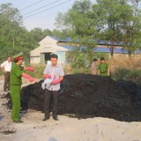 Hơn 50 tấn bùn thải từ Công ty Vedan đổ ra môi trường