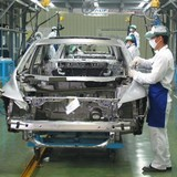 Ngành ôtô đứng trước lựa chọn tự sản xuất hay đi buôn