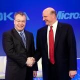 """Nokia: Từ thương hiệu 300 tỷ USD đến """"bán mình"""""""