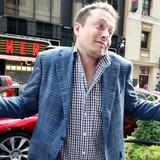 """""""Iron man"""" Elon Musk từng suýt bán Tesla để lấy 11 tỷ USD"""
