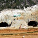 Vì sao người dân cản thi công hầm cao tốc Đà Nẵng - Quảng Ngãi?