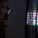 """Chứng khoán """"bạo bệnh"""", Trung Quốc cắt giảm IPO"""