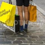 """Hy Lạp: Khi túi xách hàng hiệu biến thành """"bùa hộ mệnh"""""""