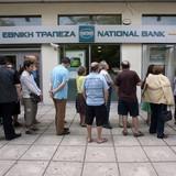 Hy Lạp thiệt hại hơn 3 tỷ USD sau ba tuần đóng cửa ngân hàng