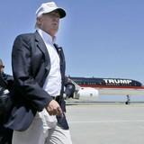 Cận cảnh chuyên cơ xa xỉ của ứng cử viên Tổng thống Mỹ Donald Trump
