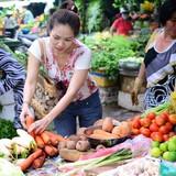 Hàng Trung Quốc về nhiều, giá vẫn cao