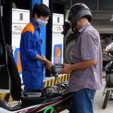 Thị trường 24h: Giá xăng giảm 768 đồng/lít, khách Việt ồ ạt hủy tour đi Thái