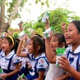 """Vinamilk dành 8 tỷ đồng cho quỹ sữa """"Vươn cao Việt Nam"""""""