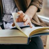 5 loại sách chả liên quan gì tới kinh doanh mà doanh nhân vẫn cần đọc