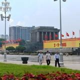 """Báo cáo cử tri Hà Nội không có vụ tòa nhà 8B Lê Trực, """"cả họ làm quan"""""""