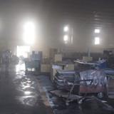 Cháy công ty gỗ, hàng trăm công nhân hoảng loạn