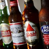 Hãng bia lớn nhất thế giới chính thức công bố thương vụ 107 tỷ USD