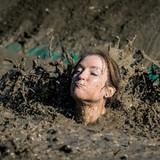 Kiếm 100 triệu USD mỗi năm từ bùn