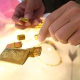 Người nước ngoài bán gần 60 kg vàng giả cho tiệm kim hoàn
