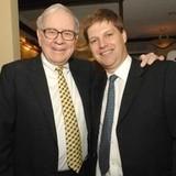 Bữa trưa với tỷ phú Warren Buffett đã thay đổi đời tôi