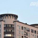 """Kỳ lạ căn hộ """"mọc"""" trên nóc nhà chung cư ở Hà Nội"""