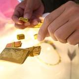 Bắt nhóm chuyên mang vàng giả đi cầm ở miền Tây