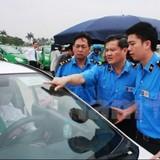 """Hà Nội sẽ """"khai tử"""" các hãng taxi không đủ số lượng 50 xe"""