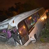 19 nhân viên Casino Hồ Tràm bị nạn trên chiếc xe lật nhào