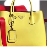 """Sự """"xấu xí"""" đằng sau những chiếc túi đẳng cấp mang hiệu Hermes, Prada, hay Chanel"""