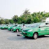 Taxi giảm giá cước theo xăng dầu