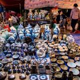 Chợ Viềng tràn ngập đồ nhái, đồ giả