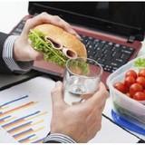 8 thói quen ăn uống lành mạnh cho người bận rộn