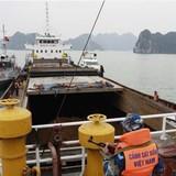 Bắt giữ tàu vận chuyển trái phép 30.000 lít dầu